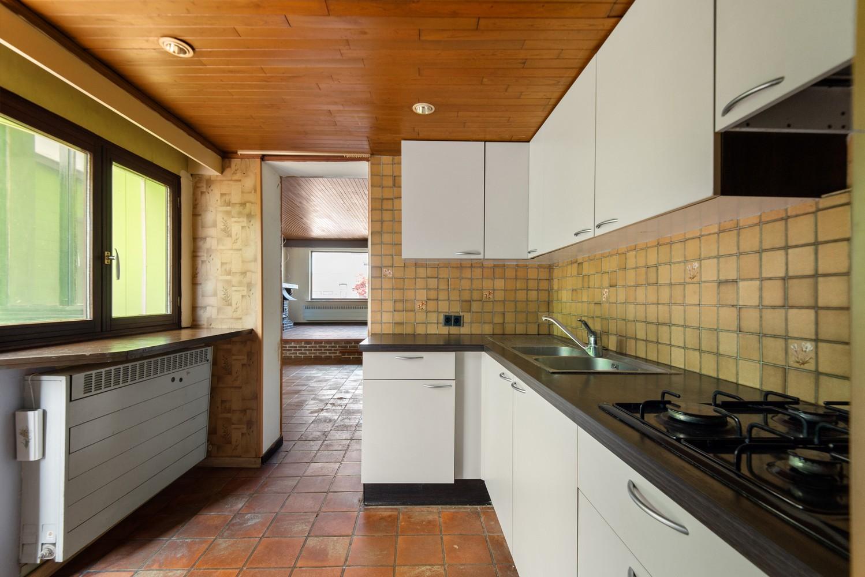 Te renoveren woning op een zeer centrale locatie te Wijnegem! afbeelding 7