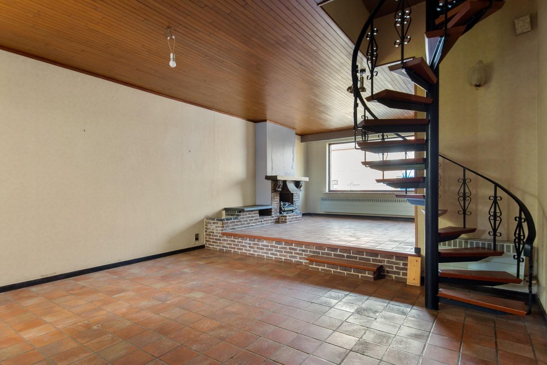 Te renoveren woning op een zeer centrale locatie te Wijnegem! afbeelding 4