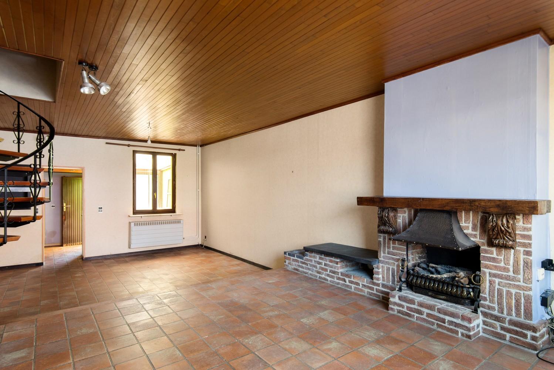 Te renoveren woning op een zeer centrale locatie te Wijnegem! afbeelding 3