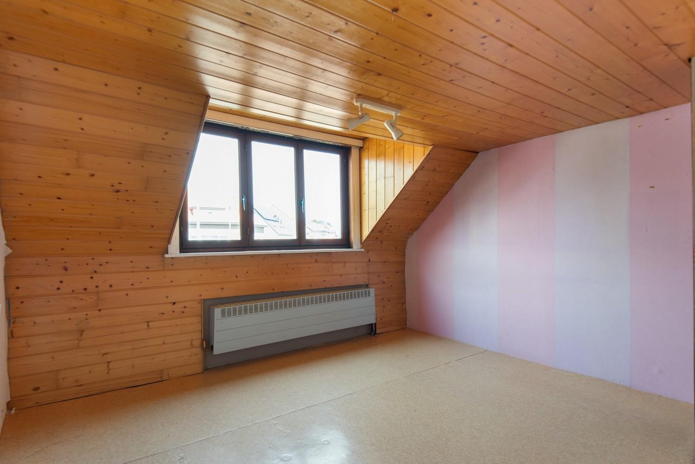 Te renoveren woning op een zeer centrale locatie te Wijnegem! afbeelding 12