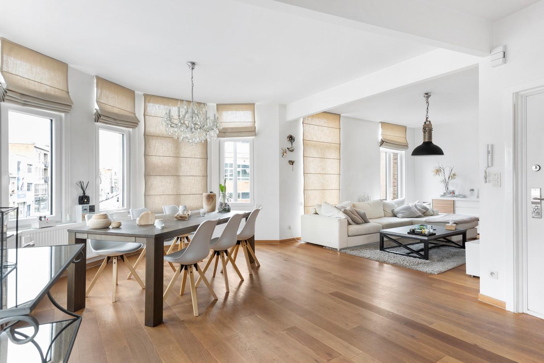 Heel mooi gerenoveerd en lichtrijk appartement (+/- 115 m²) nabij het Nachtegalenpark! afbeelding 1