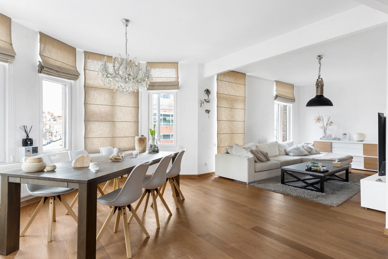 Heel mooi gerenoveerd en lichtrijk appartement (+/- 115 m²) nabij het Nachtegalenpark! afbeelding 4