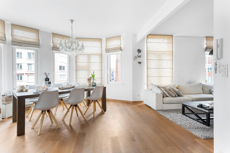 Heel mooi gerenoveerd en lichtrijk appartement (+/- 115 m²) nabij het Nachtegalenpark! afbeelding 11