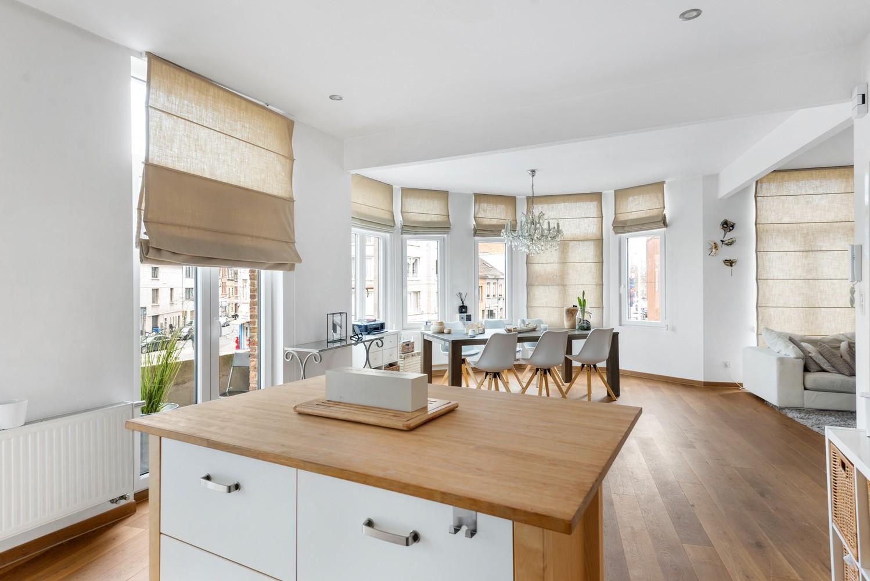 Heel mooi gerenoveerd en lichtrijk appartement (+/- 115 m²) nabij het Nachtegalenpark! afbeelding 13