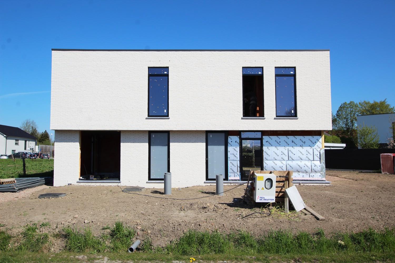 Luxueuze halfopen BEN-woning met 3 slaapkamers nabij centrum Broechem! afbeelding 7