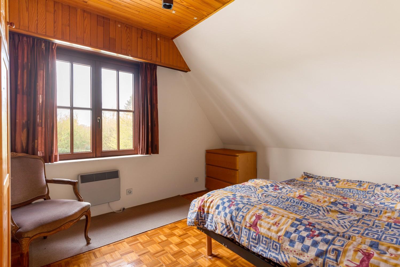 Verrassend ruime woning met idyllische tuin op een zeer gunstige locatie in Oelegem! afbeelding 20