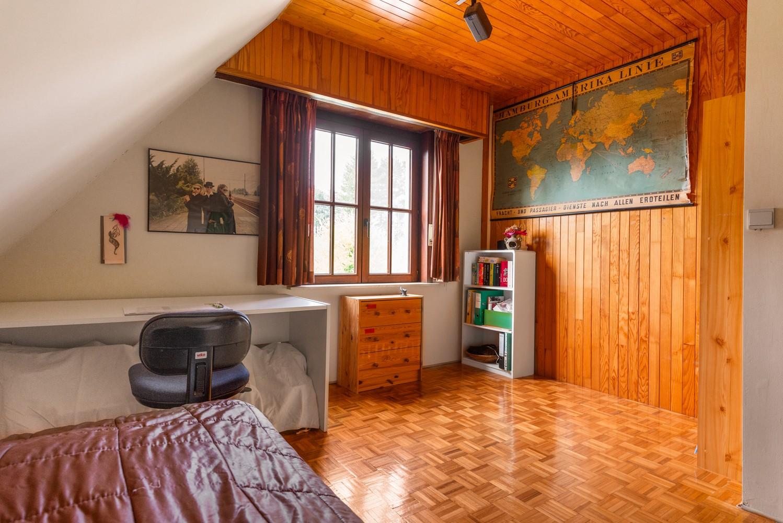 Verrassend ruime woning met idyllische tuin op een zeer gunstige locatie in Oelegem! afbeelding 22