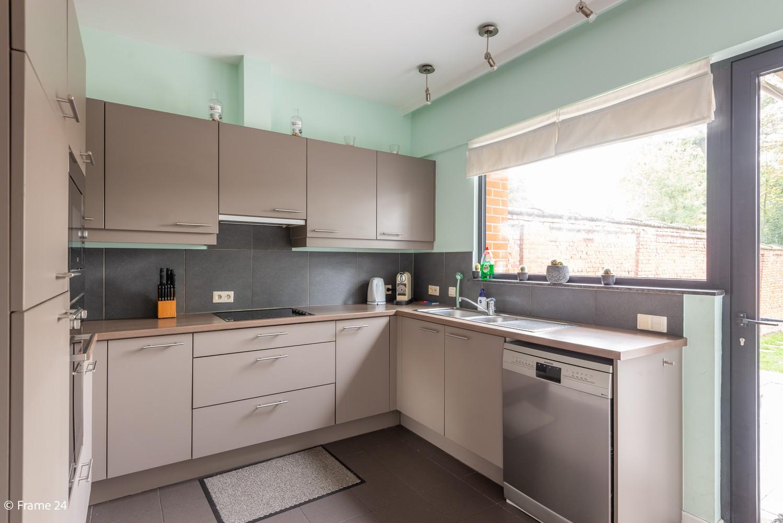 Zeer ruim en instapklaar gelijkvloers appartement met tuin en garage te Wijnegem! afbeelding 8