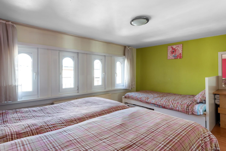 Op te frissen eengezinswoning met drie slaapkamers en buitenruimte te Deurne. afbeelding 18