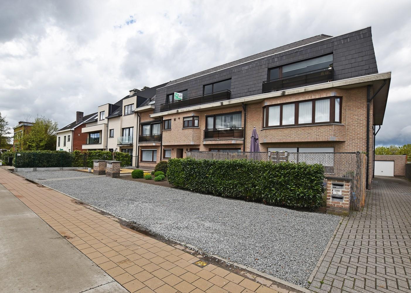 Riant duplex-appartement (200 m²), centraal gelegen te Schilde! afbeelding 1
