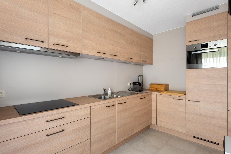 Verzorgd en ruim appartement met drie slaapkamers en terras te Wijnegem! afbeelding 7