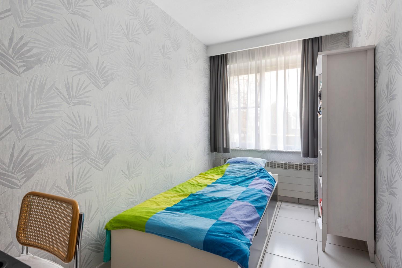 Verzorgd en ruim appartement met drie slaapkamers en terras te Wijnegem! afbeelding 11