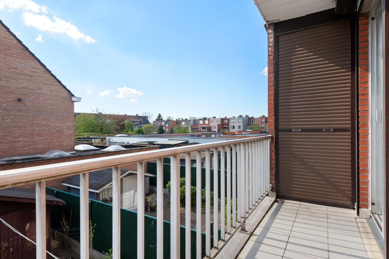 Verzorgd en ruim appartement met drie slaapkamers en terras te Wijnegem! afbeelding 15