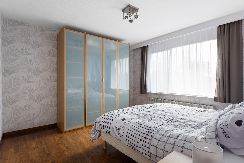 Verzorgd en ruim appartement met drie slaapkamers en terras te Wijnegem! afbeelding 10