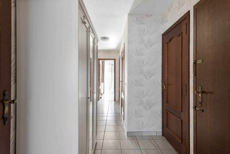 Verzorgd en ruim appartement met drie slaapkamers en terras te Wijnegem! afbeelding 9