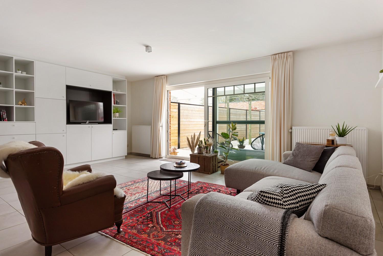 Recent, gelijkvloers appartement met 2 slaapkamers, ruime tuin, garagebox & berging! afbeelding 3
