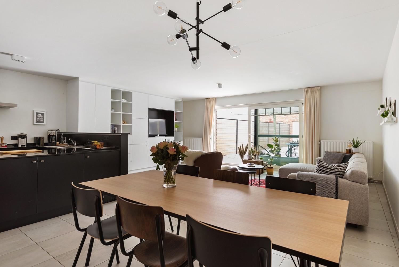 Recent, gelijkvloers appartement met 2 slaapkamers, ruime tuin, garagebox & berging! afbeelding 4