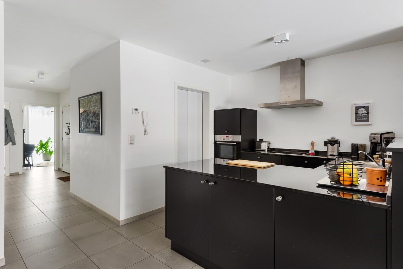 Recent, gelijkvloers appartement met 2 slaapkamers, ruime tuin, garagebox & berging! afbeelding 7