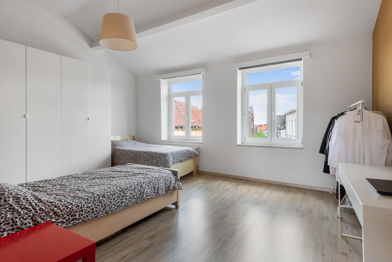 Ruime bel-étage met 5 slaapkamers & garage in Borgerhout! afbeelding 18