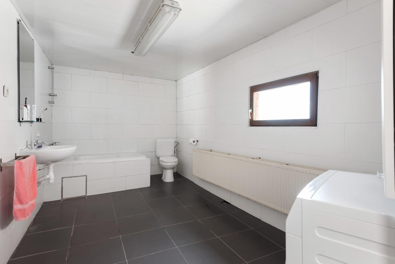 Ruime bel-étage met 5 slaapkamers & garage in Borgerhout! afbeelding 16