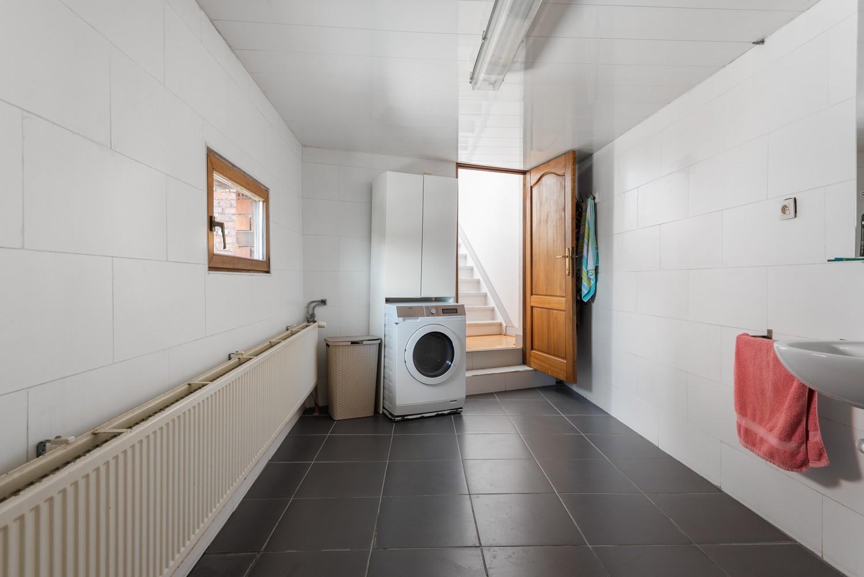 Ruime bel-étage met 5 slaapkamers & garage in Borgerhout! afbeelding 17