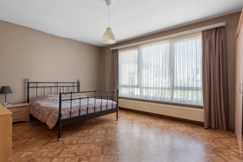 Ruime bel-étage met 5 slaapkamers & garage in Borgerhout! afbeelding 15