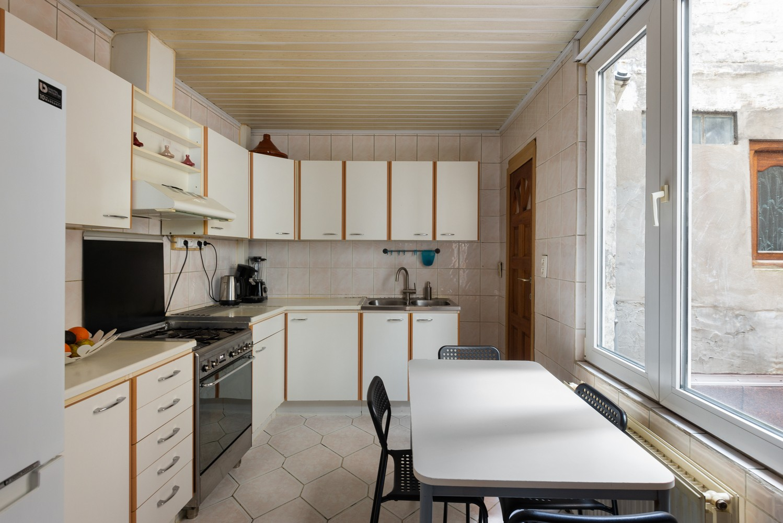 Ruime bel-étage met 5 slaapkamers & garage in Borgerhout! afbeelding 11