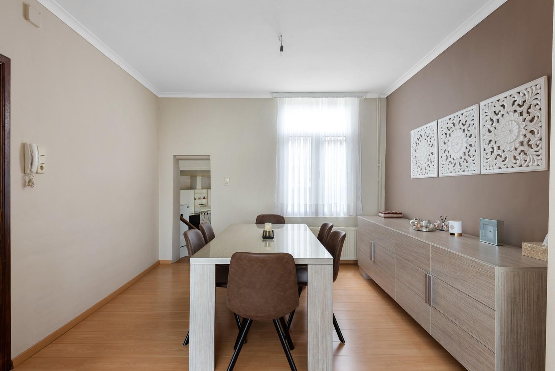 Ruime bel-étage met 5 slaapkamers & garage in Borgerhout! afbeelding 9