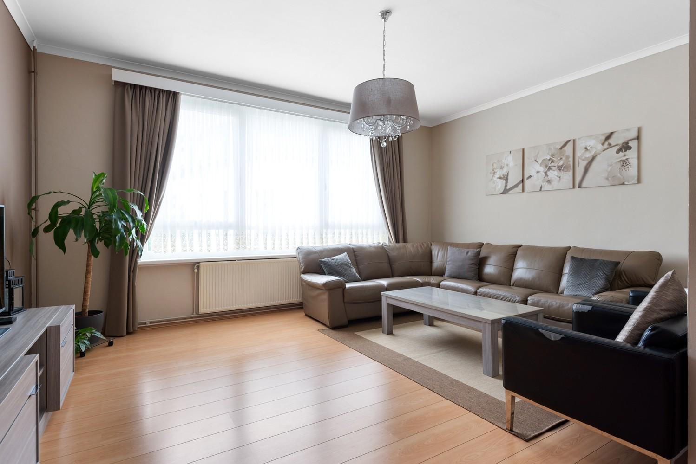 Ruime bel-étage met 5 slaapkamers & garage in Borgerhout! afbeelding 4