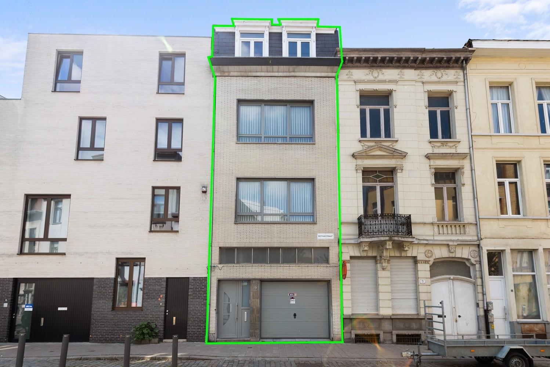 Ruime bel-étage met 5 slaapkamers & garage in Borgerhout! afbeelding 1