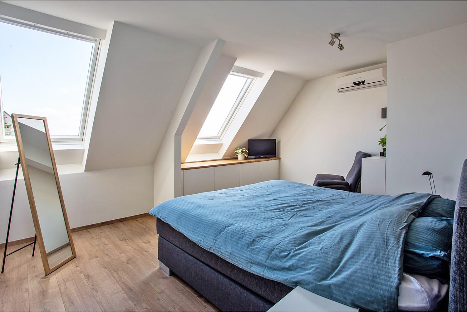 Verrassend ruim, lichtrijk appartement met 3 slaapkamers in hartje Broechem! afbeelding 10