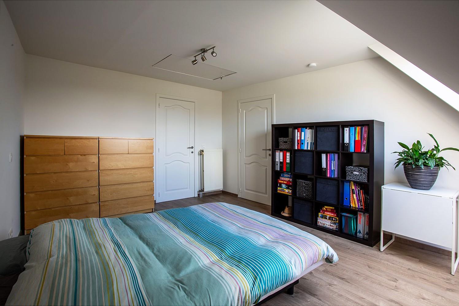 Verrassend ruim, lichtrijk appartement met 3 slaapkamers in hartje Broechem! afbeelding 16