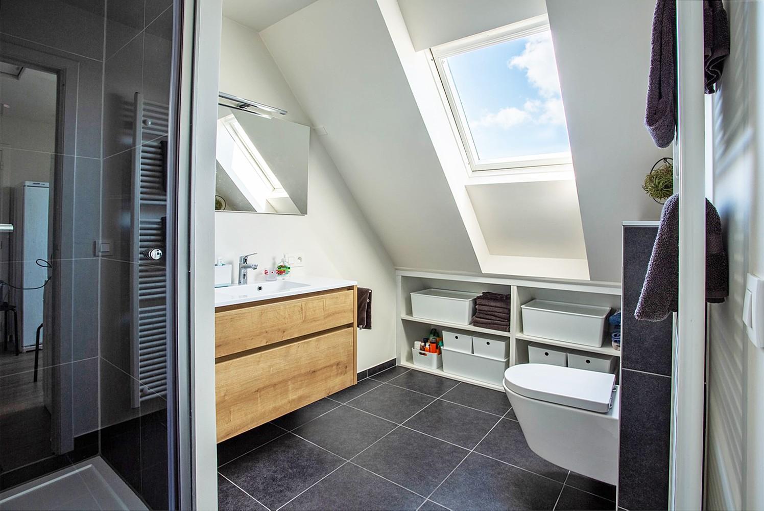 Verrassend ruim, lichtrijk appartement met 3 slaapkamers in hartje Broechem! afbeelding 11