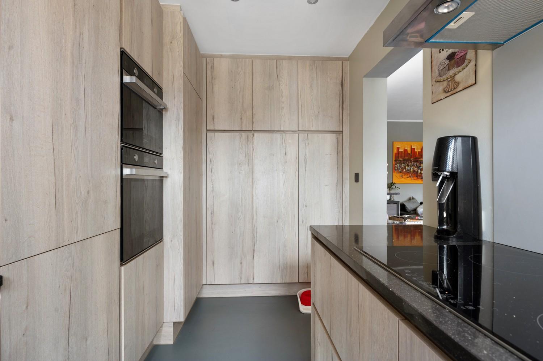 Ruim appartement met drie slaapkamers en terras op centrale locatie in Deurne! afbeelding 9