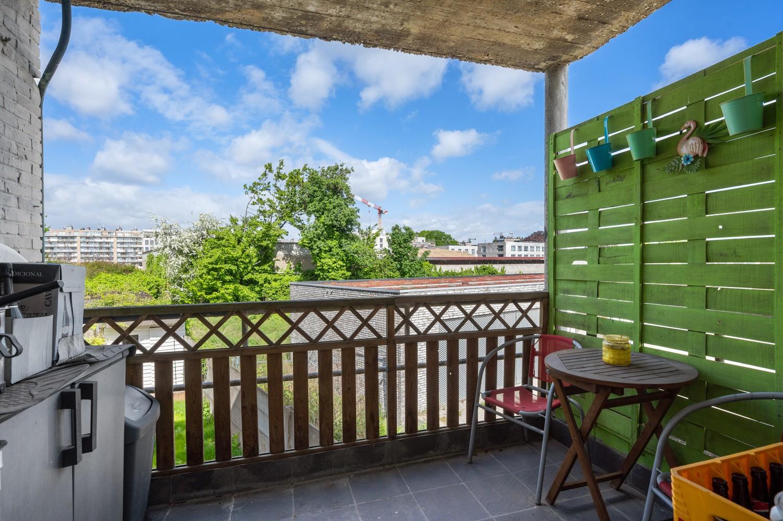 Ruim appartement met drie slaapkamers en terras op centrale locatie in Deurne! afbeelding 3