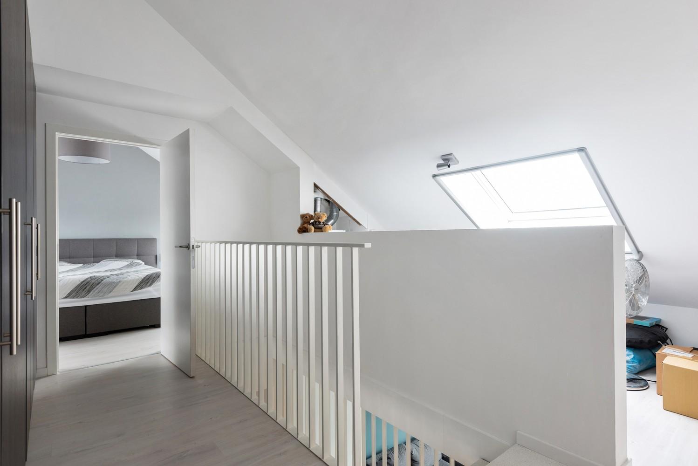Recent, ruim duplex appartement met 3 slaapkamers en zonnig terras! afbeelding 17