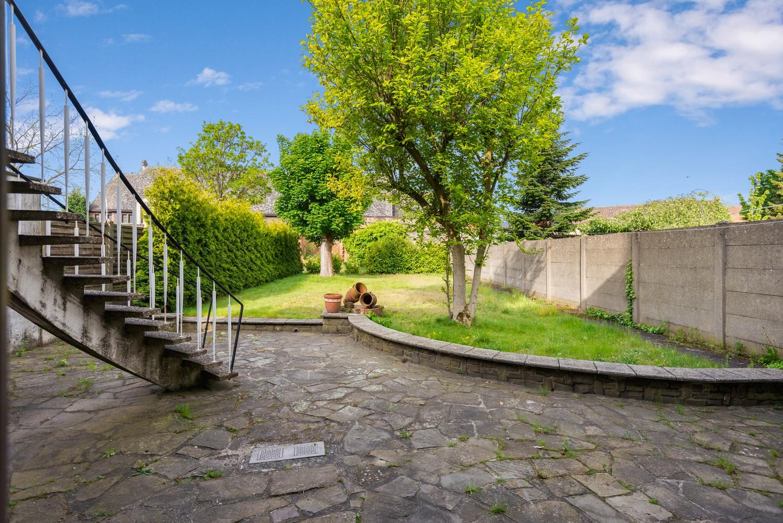 Riante, te renoveren dokterswoning met 6 à 7 slaapkamers en ruime tuin te Hemiksem! afbeelding 29
