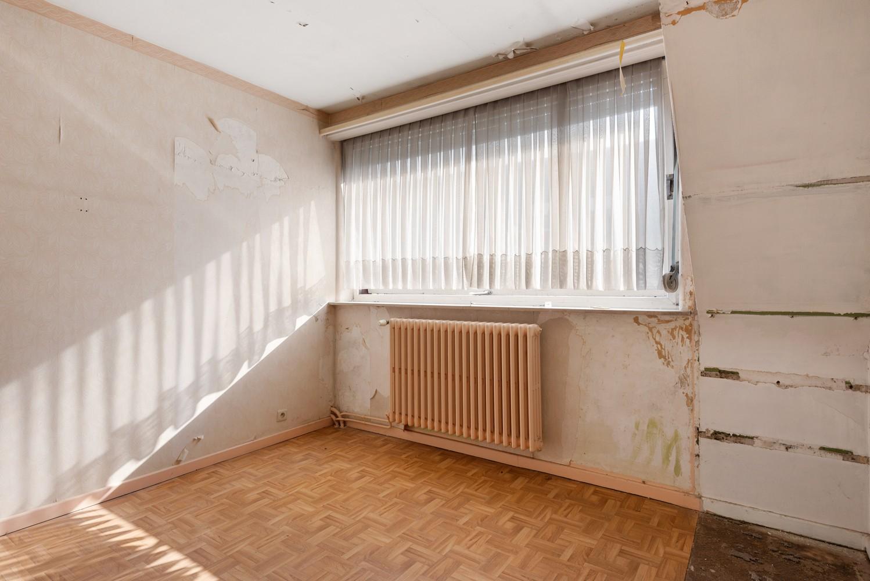 Riante, te renoveren dokterswoning met 6 à 7 slaapkamers en ruime tuin te Hemiksem! afbeelding 21