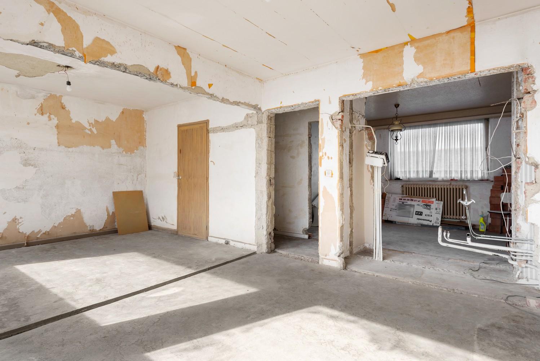 Riante, te renoveren dokterswoning met 6 à 7 slaapkamers en ruime tuin te Hemiksem! afbeelding 20