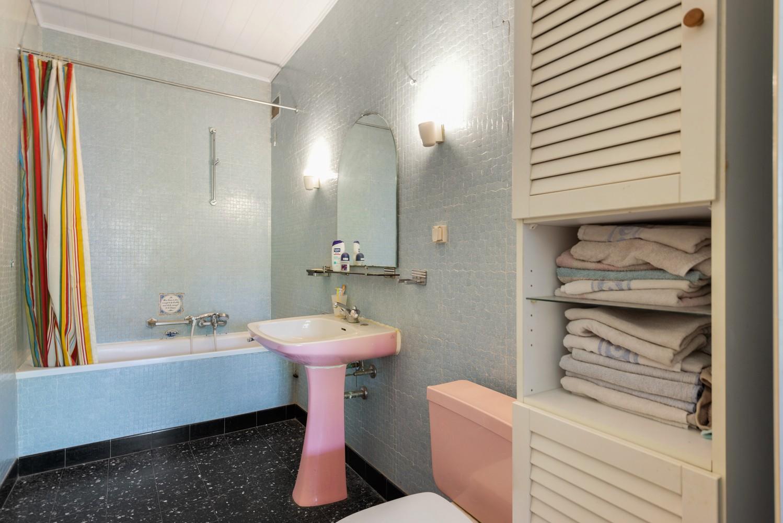 Riante, te renoveren dokterswoning met 6 à 7 slaapkamers en ruime tuin te Hemiksem! afbeelding 16