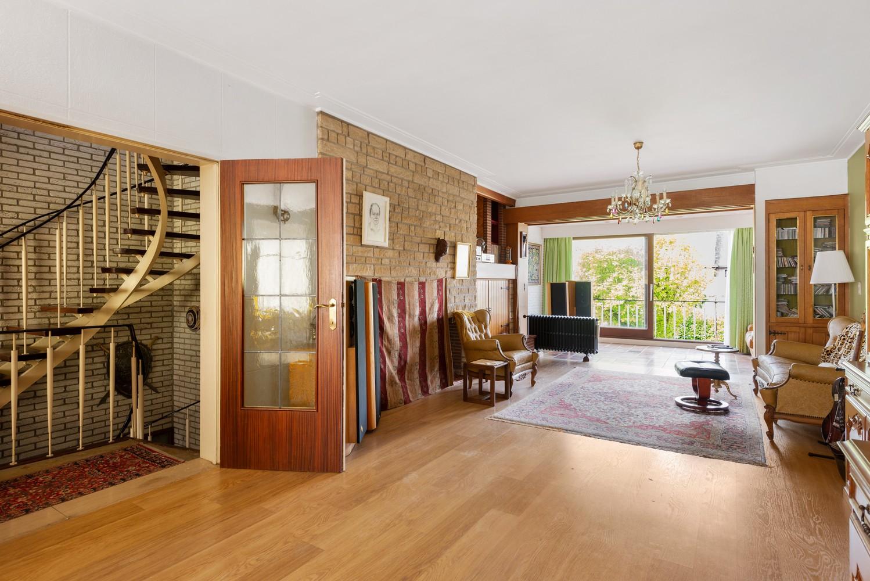 Riante, te renoveren dokterswoning met 6 à 7 slaapkamers en ruime tuin te Hemiksem! afbeelding 7