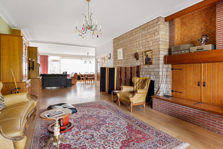 Riante, te renoveren dokterswoning met 6 à 7 slaapkamers en ruime tuin te Hemiksem! afbeelding 8