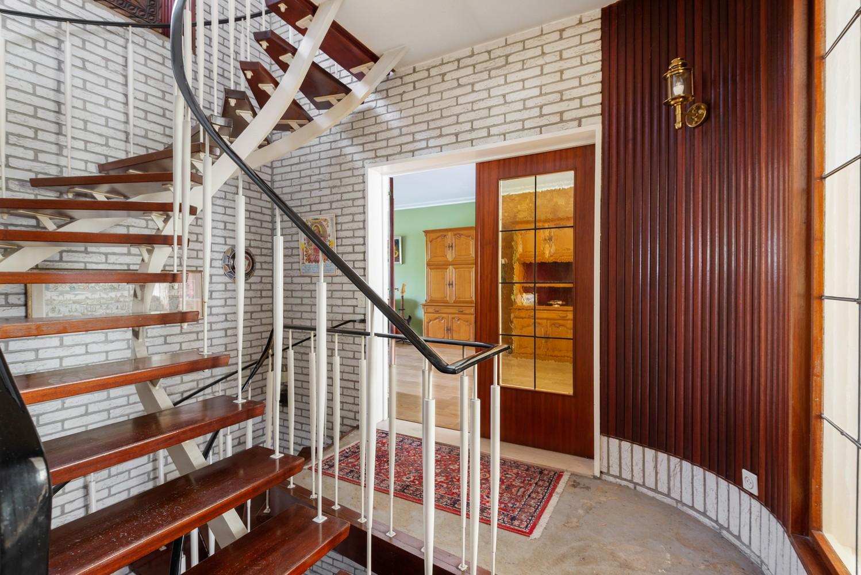 Riante, te renoveren dokterswoning met 6 à 7 slaapkamers en ruime tuin te Hemiksem! afbeelding 13