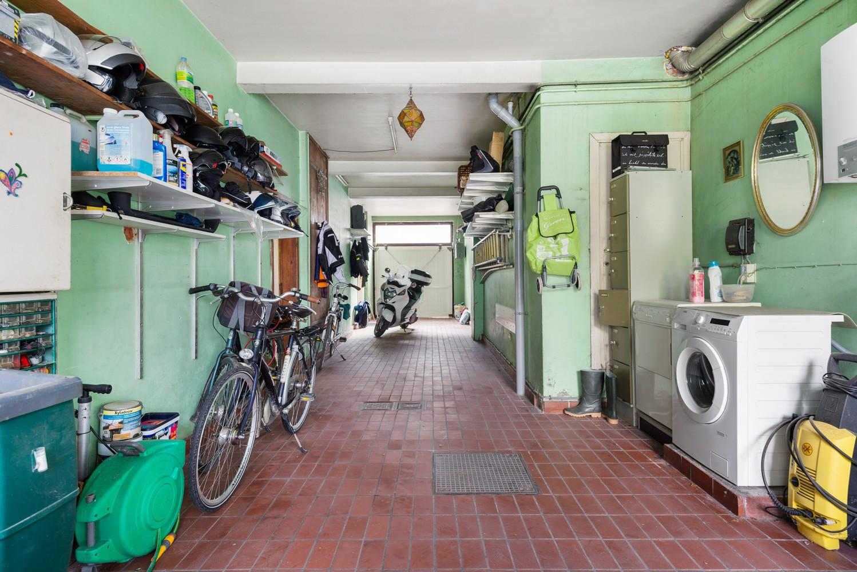 Riante, te renoveren dokterswoning met 6 à 7 slaapkamers en ruime tuin te Hemiksem! afbeelding 27