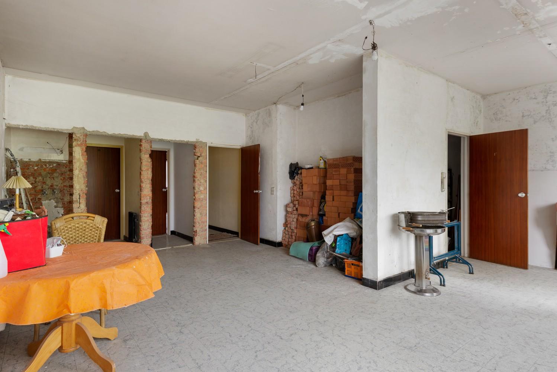 Riante, te renoveren dokterswoning met 6 à 7 slaapkamers en ruime tuin te Hemiksem! afbeelding 24
