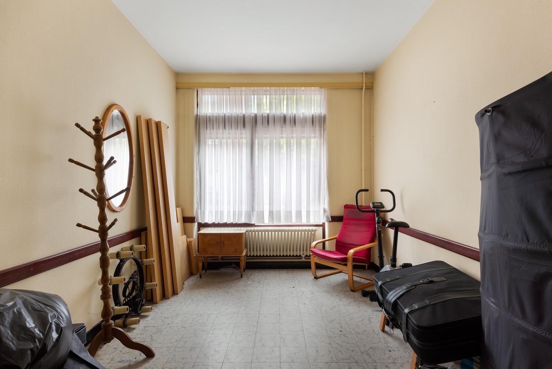 Riante, te renoveren dokterswoning met 6 à 7 slaapkamers en ruime tuin te Hemiksem! afbeelding 26