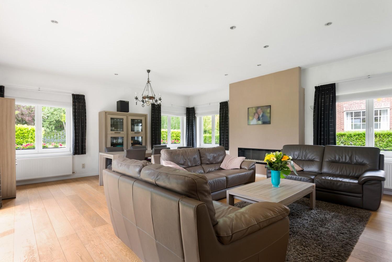 Gunstig gelegen, charmante villa op een mooi perceel van 810m² afbeelding 6