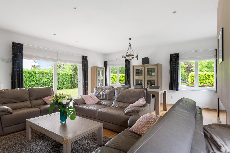 Gunstig gelegen, charmante villa op een mooi perceel van 810m² afbeelding 7