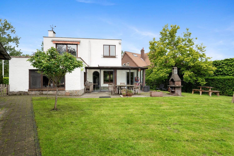 Gunstig gelegen, charmante villa op een mooi perceel van 810m² afbeelding 14