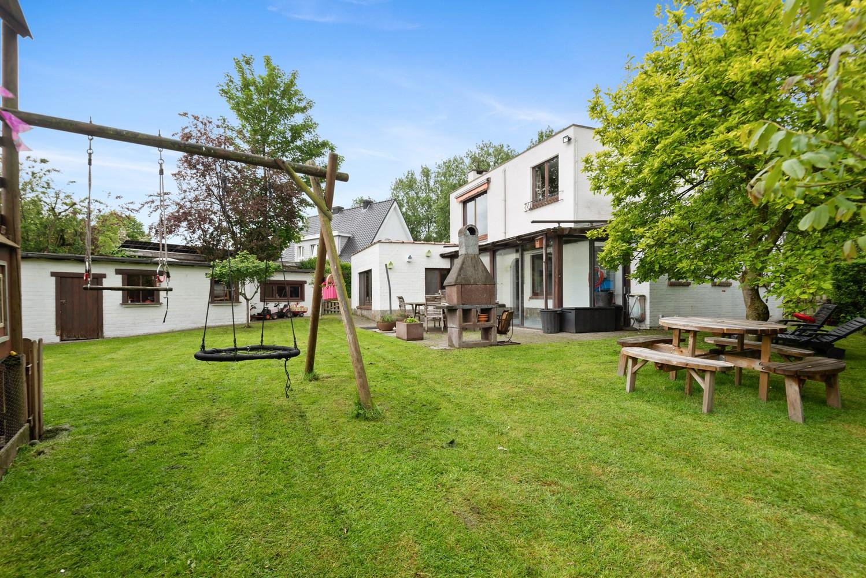 Gunstig gelegen, charmante villa op een mooi perceel van 810m² afbeelding 13